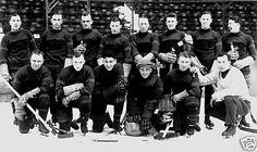 First Boston Bruins team 1924 Hockey Pictures, Boston Bruins Hockey, Hockey Memes, 1920s Photos, My Dad Says, Good Old Times, Boston Sports, Team Photos, Nhl