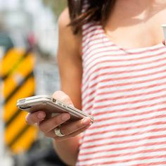 Master a Digital Detox in 2015 With This Easy Plan: We're the first people to joke about being addicted to smartphones, but being too obsessed is unproductive and unhealthy. Detox Challenge, Social Media Detox, Digital Detox, Android, High Tech Gadgets, Important Facts, Gifts For Photographers, Samsung, Square Photos