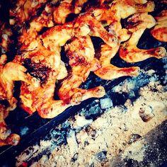 Le poulet grillé à la braise est délicieux, et très simple à faire. Cette recette fait succès partout dans le monde, est un vrai délice. Essayez de faire!