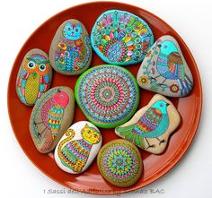 Wishing you a great, happy weekend with my #paintedstone cats, birds, mandalas :) My shop also updated with new ones