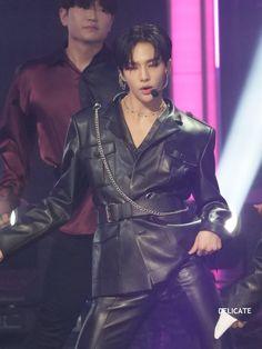 please do not edit or crop. Perfect Boy, My Little Baby, Flower Boys, Lee Know, Attractive Men, Kpop Boy, Boyfriend Material, What Is Like, My Boyfriend