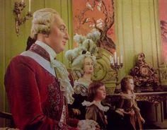 Luis XVI,Maria Antonieta y sus hijos Madame Royal y el Delfín Luis Carlos,en la forma en que se exhibían en el museo de cera ,de Madame Tussaud en Londres en 1973