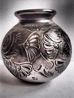 Olla Decorativa Con Diseño De Flor Hecha De Barro Negro!! - $ 70.00