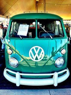 Top Hippie Bus Amazing Artwork & Make Your Happy Camper Volkswagen Transporter, Transporteur Volkswagen, Vw T1, Wolkswagen Van, Combi Ww, Vw Minibus, Vw Kombi Van, Combi Split, Vw Camping
