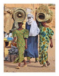Take care somebody is following you - Agadez, Agadez - Niger