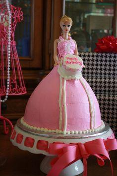 Vintage Barbie Cake I had a doll cake when I was about 6 Vintage Birthday Cakes, Barbie Birthday Cake, Barbie Cake, Barbie Party, Barbie Dolls, Pretty Cakes, Cute Cakes, Beautiful Cakes, Amazing Cakes