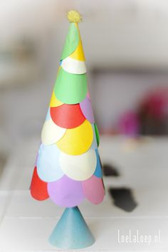 DIY Kids: Paper Christmas Tree 2012 #craft #easy #punch