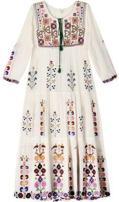 The peach skin: Fotos Folk Fashion, Ethnic Fashion, Hijab Fashion, Indian Fashion, Fashion Dresses, Womens Fashion, Style Fashion, Estilo Folk, Kurta Designs