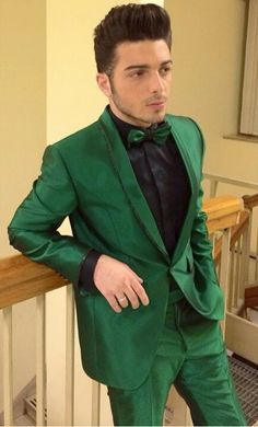 he looks like an Italian leprechaun. all u need is that little hat hat and hes good:)<<-------Haha love this comment!