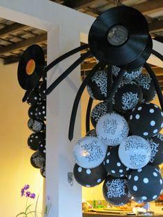 Balões decorados e LPs