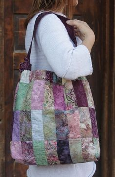 Cinched Patchwork Satchel – IJ909 sewing pattern from IndygoJunction.com