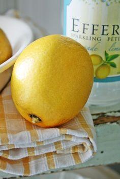a simple lemon. Oranges And Lemons, For Love And Lemons, Lemon Yellow, Lemon Lime, Citrus Recipes, Vibeke Design, Farm House Colors, Yellow Cottage, How To Squeeze Lemons
