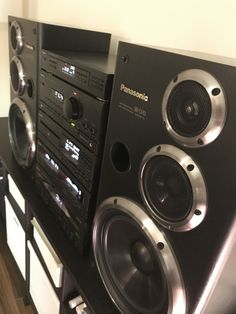 I am the kind of a person with the passion original sounds like this Panasonic Hi-Fi Stereo Home Theater Sound System, Home Theatre Sound, Hifi Stereo, Hifi Audio, Hi Fi System, Audio System, Pioneer Audio, Audio Rack, Radio Antigua
