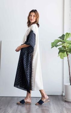 """Ikathand loomedcottonsari caftan in medium weight cotton. white body with black front Length 49"""" Width 40"""" Free domestic shipping"""