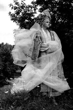 Russian Culture, Ulyana Sergeenko, Russian Folk, Russian Fashion, Movie Costumes, Mystic, Fairy Tales, Fantasy, Statue