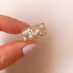 Modern Wedding Rings, Wedding Ring Styles, Wedding Rings Rose Gold, Diamond Wedding Bands, Diamond Rings, Rose Wedding, Garden Wedding, Dream Wedding, Antique Style Engagement Rings
