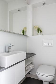 Kuvahaun tulos haulle wc:n sisustus Small Toilet Room, Bathroom Toilets, My Dream Home, Double Vanity, Laundry Room, Sweet Home, Bathtub, House, Small Bathrooms