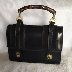 7047bd7eed3671 Rare Vintage Gucci Handbags · Gucci Bamboo Lunchbox 1960s Satchel in Black  Gucci Bamboo, Black Satchel, Gucci Bags,