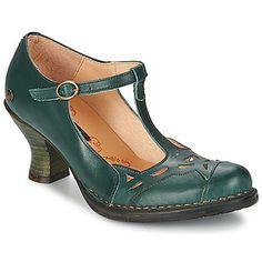 Sea cual sea tu look, combinará perfectamente con estos zapatos de tacón Rococo de Neosens. Este modelo destaca por su color verde y su corte en piel. El elegante tacón de 7 cms destaca tu estilo, y su suela en cuero te aportará un confort de sueño. Y Dios creó el zapato de tacón...  #tacon #zapatos #mujer #moda #zapatostacon   http://www.spartoo.es/Neosens-ROCOCO-x648774.php