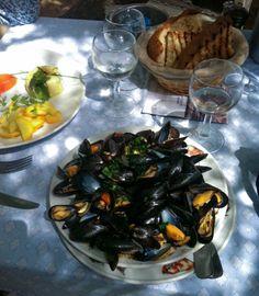 Mussels at Club St. St Tropez France, Seaside Resort, Mussels, Saint Tropez, French Riviera, Beverage, Restaurant, Warm, Club