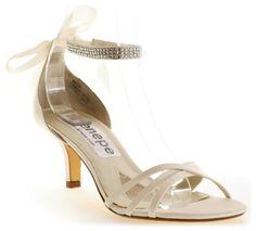 Sandalias de Novia con Tacón Bajo - Para Más Información Ingresa en: http://zapatosdefiestaonline.com/2013/11/26/sandalias-de-novia-con-tacon-bajo/