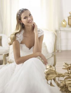 Pronovias trouwkleding 2014 | Collectie Bruidsmode | Ann & John bruidsmode - Trouwjurken - Bruidsjurken