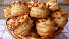 Ez nekem is tutira a kedvenceim közé kerülne! Cookbook Recipes, Wine Recipes, Hungarian Cuisine, Savory Pastry, Russian Recipes, Sweet And Salty, Food To Make, Biscuits, French Toast