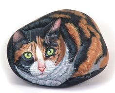 rock painting video -- smaller painted rocks would make great magnets Pebble Painting, Pebble Art, Stone Painting, Rock Painting, Pet Rocks, Hand Painted Rocks, Rock Crafts, Stone Art, Painting Techniques
