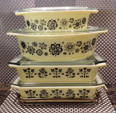 Vintage Pyrex Pressed Flowers 043 & 045 and Vintage Pyrex Embroidery Space Savers