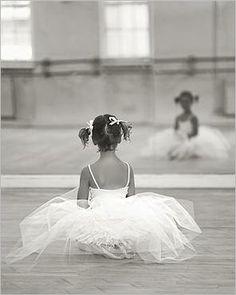 Google Image Result for http://www.nouvellesimages.com/img_Little-Ballerina_David-HANDLEY_ref~110.001762.00_mode~zoom.jpg