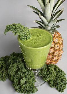 Ananászos-fodros kel smoothie Shake, Smoothies, Ethnic Recipes, Smoothie, Smoothie Packs, Fruit Shakes