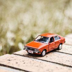 My old memories keep popping up as the autumn advanced - 깊어진 가을 새록새록 떠오르는 추억 - #popup #inmyhead #memory #lateautumn #enjoy #daily #classic #oldcar #drive #travel #park #car #carsinstagram #diecast #PONY #Hyundai