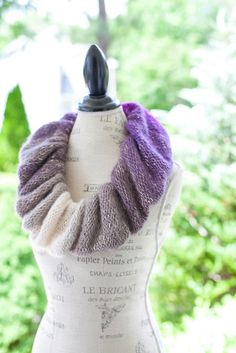 This is a feminine, dressy, cowl scarf pattern for the loom knitter. Cowl Scarf, Knit Cowl, Knitted Shawls, Knit Crochet, Loom Knitting Projects, Loom Knitting Patterns, Macrame Patterns, Crochet Projects, Ruffle Scarf
