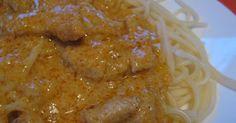 Mennyei Csirke csíkok vadas mártásban Licsi módra recept! Manapság, nem csak marhahúsból készül vadas. Ez a pikáns, mustáros mártás remekül illik a csirkéhez is. Annak ellenére, hogy zsemlegombóccal szokás tálalni, spagettivel is nagyon finom. Chicken Pasta Recipes, Meat Recipes, Cooking Recipes, Healthy Recipes, Creamy Italian Chicken, Hungarian Recipes, Hungarian Food, Main Dishes, Food And Drink