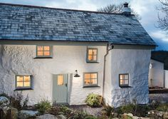 Sweetpea Cottage, Cornwall. Picture perfect Cornish cottage. 6 pictures