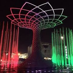 Expo 2015, l'Albero della vita illuminato per la prima volta!  Expo 2015, the Tree of Life on for the first time! #expo#padiglioneitalia#italy #expo2015#milan#milano#italia #italianfood #instapic #instacook #italianpasta #instafood #instacook #instacooking #pasta #pomodoro #mozzarella #picoftheday#instaexpo#treeoflife#alimentazione#mangiarebene#salute#luci#instalight#foodart #foodblog #food#selfie #foodselfie