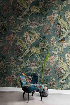 BN Walls behang tropisch / wallcovering tropical / bladeren / jungle www. Decor, Kitchen Wallpaper, Wallpaper Bedroom, Modern Farmhouse Style Bedroom, Interior Wallpaper, Bedroom Decor, Bedroom Bed Design, Wall Design, Wall Coverings