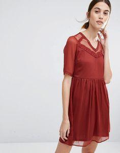 Изображение 1 из Приталенное платье с сетчатой кокеткой VeroModa