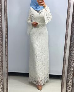 <img> Image may contain: one or more people and standing people - Hijab Gown, Hijab Evening Dress, Hijab Style Dress, Evening Dresses, Abaya Fashion, Fashion Dresses, Abaya Mode, Hijab Stile, Dress Brokat
