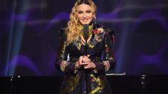 """Sacrée """"Femme de l'année"""" aux Billboard Women in Music le 9 décembre, Madonna s'est fendue d'un discours défonçant le sexisme dans l'industrie musicale."""