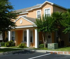 1411 Retreat Circle is a beautiful townhome with private pool and covered lanai, plus a full bedroom and bathroom downstairs. Well located minutes to Disney in Clermont, FL.