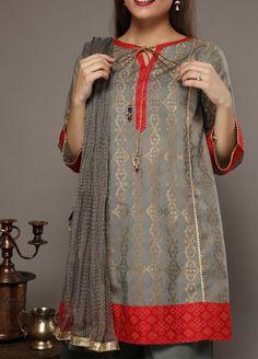 Stylish Dress Book, Stylish Dresses For Girls, Simple Dresses, Casual Dresses, Beautiful Pakistani Dresses, Pakistani Dresses Casual, Pakistani Dress Design, Sleeves Designs For Dresses, Dress Neck Designs