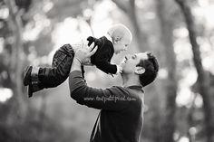 Dad and baby love (www.toutpetitpixel.com)