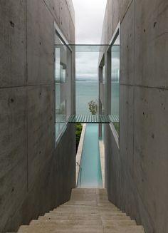 Breathtaking Solis Residence clinging cliffside on Hamilton Island