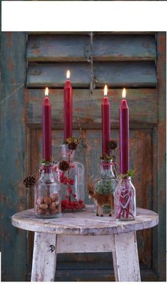 Vier Kerzen bis zum Halleluja: Sieben neue Ideen für den Adventskranz With stump or stem candles, hanging, standing, classically round with fir branches or completely reinterpreted? The choice of the Advent wreath brings me every year to ponder. Noel Christmas, Christmas Candles, Winter Christmas, Christmas Crafts, Country Christmas, Vintage Christmas, Christmas Ideas, Christmas Recipes, Christmas Cookies