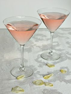 Kiss Cocktail ~ Pink Ginger Ale, White Cranberry Juice and Vodka