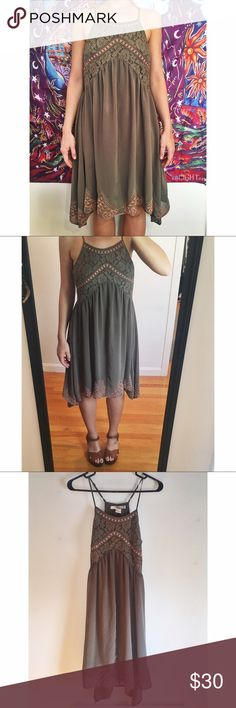 Chiffon free spirit dress 💐 Made of lace and chiffon material. Worn once for an occasion. No defects at all! Lovely for the summer with and uneven, flowy bottom. Hits just below my knees and I am 5'5. No bra needed with this dress which makes it even better! *would also fit an XS 💐 Forever 21 Dresses Midi