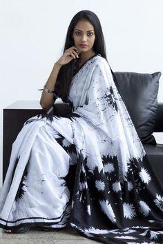 monochrome Batik saree Free shipping to India www.fashionmarket.lk