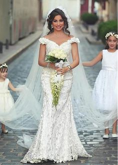 Romantic Lace & Satin Off-the-shoulder Neckline Mermaid Wedding Dresses With 3D Handmade Flowers