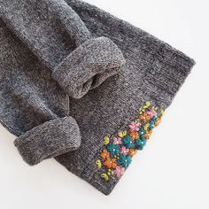 Fantastic Cost-Free visible Mending Suggestions For any ecological potential it's important that many of us fix crucial abilities including mendin Embroidery On Clothes, Diy Embroidery, Cross Stitch Embroidery, Embroidery Patterns, Knitting Patterns, Sewing Patterns, Japanese Embroidery, Art Patterns, Sweater Embroidery